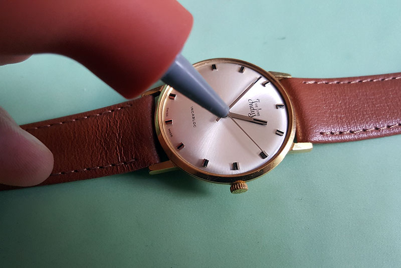 How to replace a watch crystal