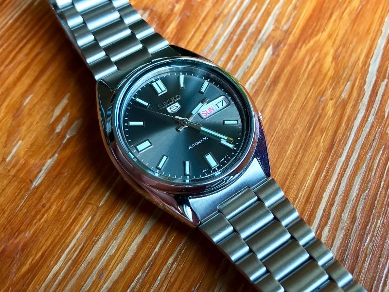 Seiko 5 SNXS79 front