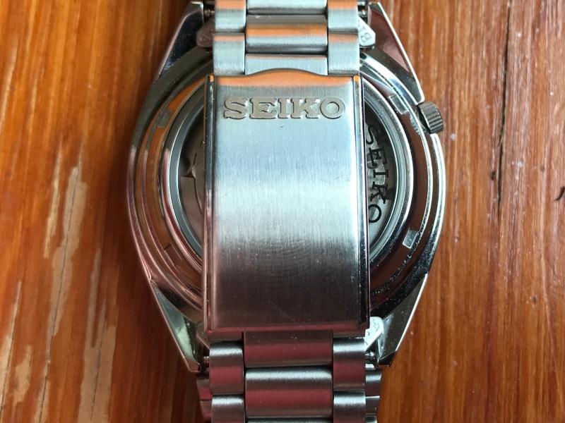 Seiko 5 SNXS79 clasp